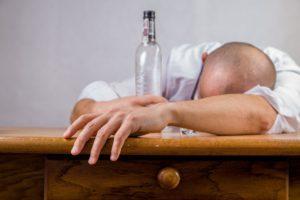 Mittel gegen Kater Was hilft gegen Kater alkohol Kater